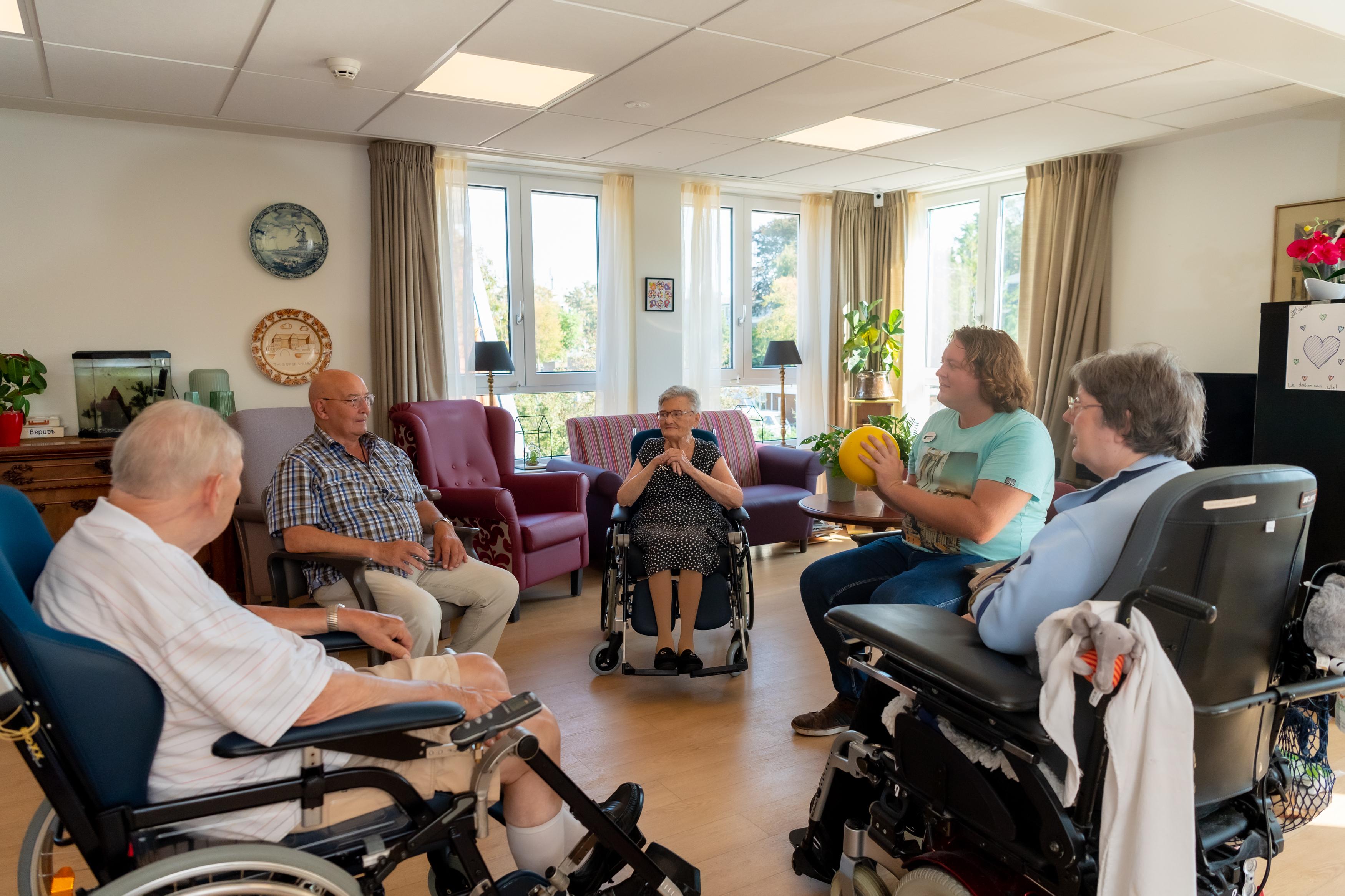 Peter Ouwehand - huiskamermedewerker welzijn Huis op de Waard in Leiden - Marente