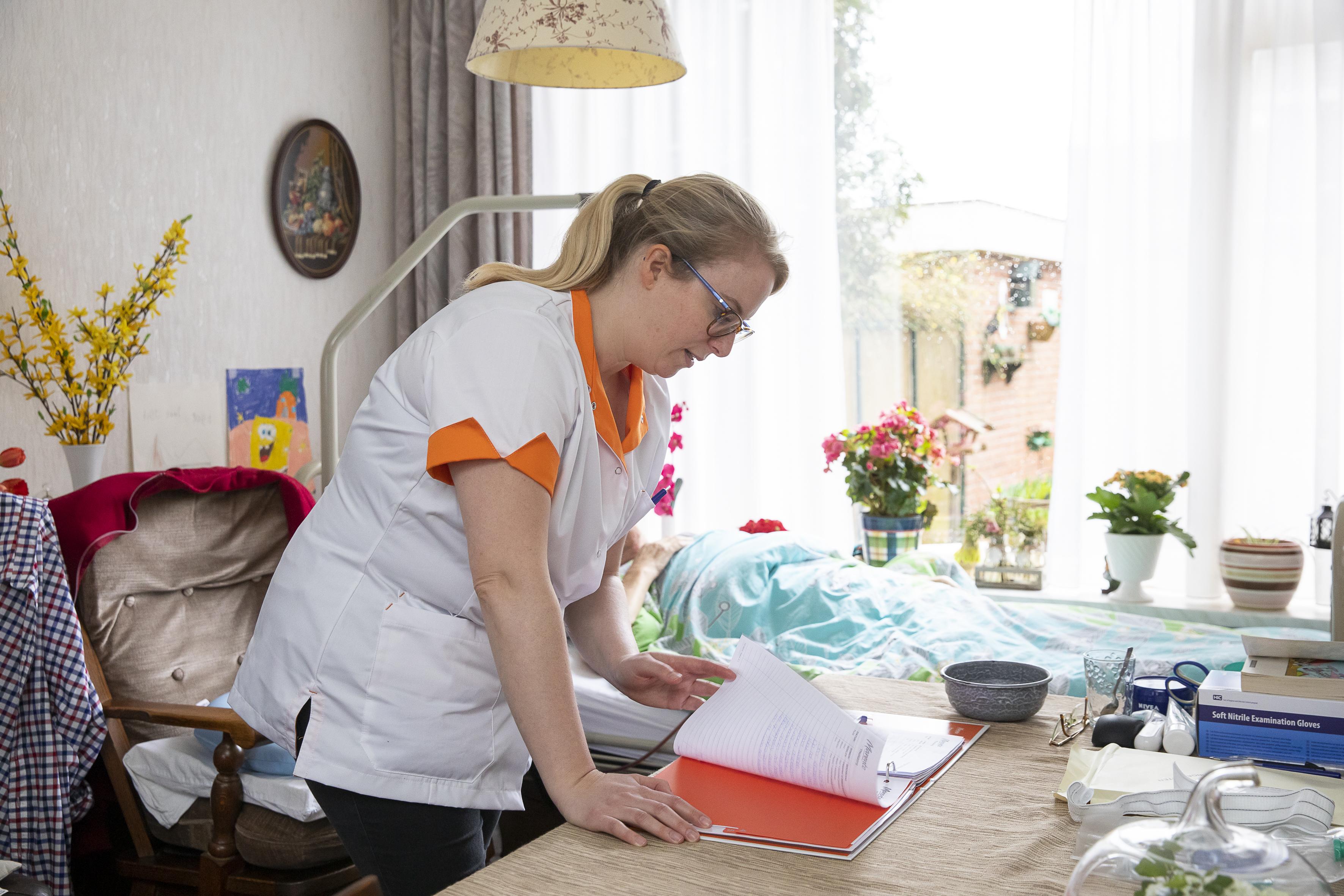 Wijkverpleegkundige Tessa bij Marente